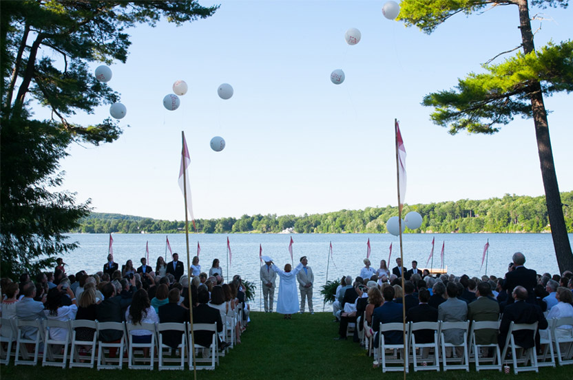 With a word from the officiant, the bio-degradable balloons and ribbons were released during the ceremony.