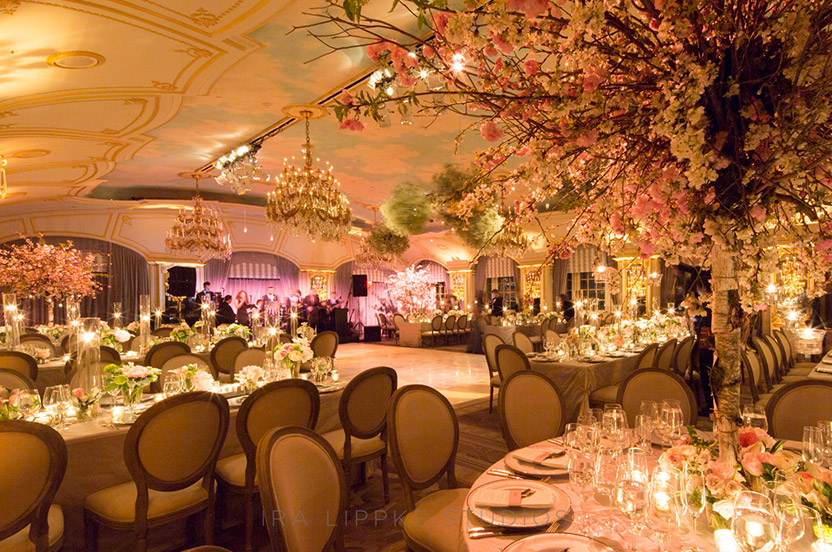 From every angle of the room the tables look beautiful and the view is spectacular. Even the cake has a special floral backdrop.